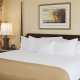 DoubleTree-by-Hilton-Charleston-king-bed