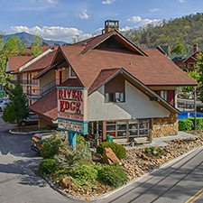 Gatlinburg vacations river edge motor lodge vacation deals for Motor lodge gatlinburg tn