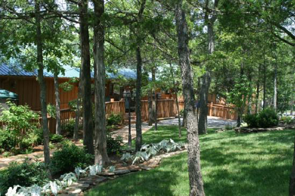 $199 | Branson, MO | Cheap Getaway Deal | 3 Days 2 Nights | 3 Bedroom Cabin  | Cabins At Green Mountain Resort