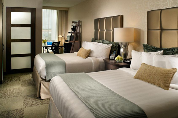 Charleston Crowne Plaza Hotel 2 Nights $99 Winter Vacation