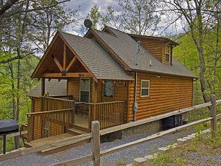 179 Gatlinburg 3 Day Labor Day Deal 2 Bedroom Cabin