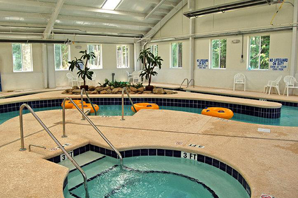 Myrtlewood Villas Indoor Hot Tub