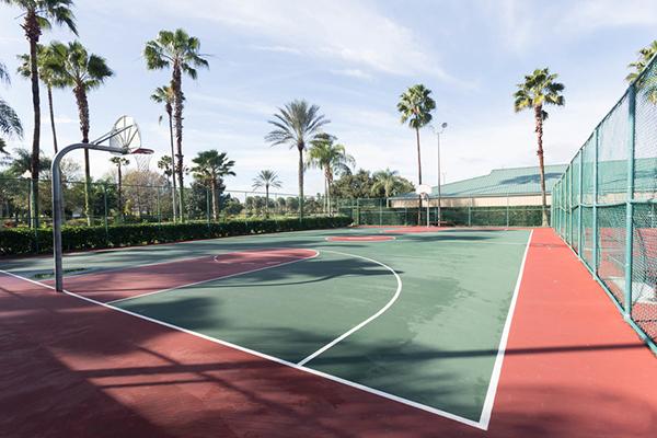 Mystic Dunes Resort and Golf Club basketball court