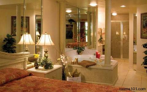 Spacious Suite View with Modern Style Tub at Mystic Dunes Resort & Golf Club in Orlando, Florida.