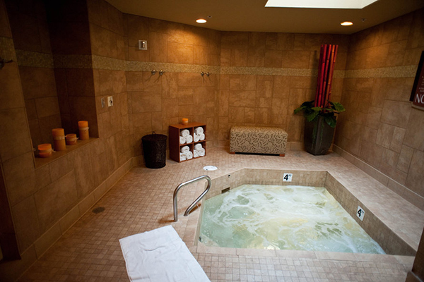 New York Hotel And Spa Hot Tub
