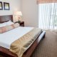 Palisades Resort king room