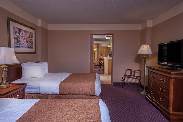 Quality Suites   Royal Parc 2 Queen Room