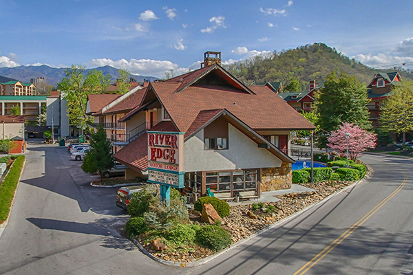 99 gatlinburg river edge motor lodge 3 day fall specials for Motor lodge gatlinburg tn