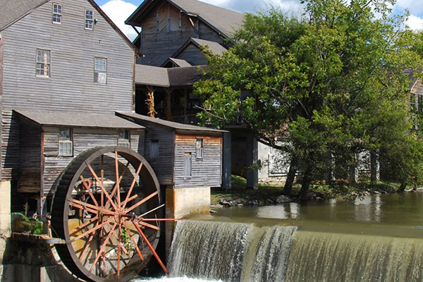269 Pigeon Forge Vacation Lodge 4 Days Thanksgiving Deal