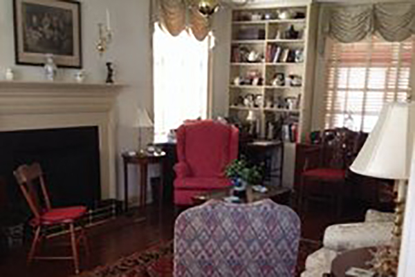 the living room williamsburg williamsburg vacations brick house inn vacation deals 14178
