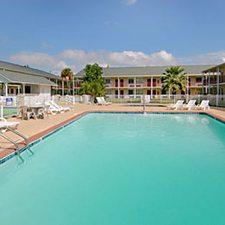Biloxi Vacations - Super 8 Motel vacation deals