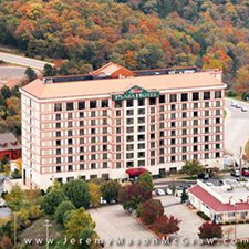 Branson Vacations - Grand Plaza Hotel vacation deals