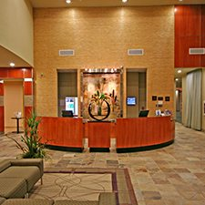 Williamsburg Vacations - Holiday Inn & Suites Gateway vacation deals
