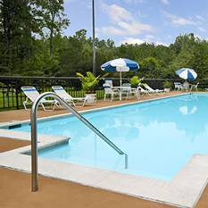 Williamsburg Vacations - Days Hotel Busch Gardens Area vacation deals