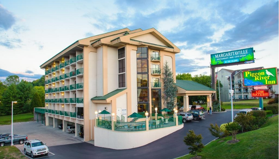 Pigeon Forge Vacations – Pigeon River Inn and Suites Vacation Deals