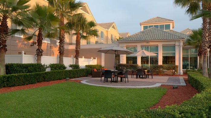 $199 | Hilton Garden Inn | Christmas Orlando Florida Vacation |  Standard/Deluxe Hotel Room | 6 Day 5 Night | $100 Dining Dough